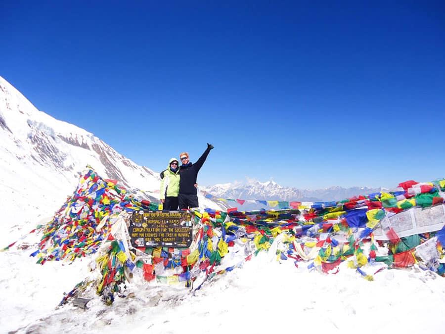 Annapurna Circuit Nepal: Wir haben es geschafft! Der Thorong-La Pass auf 5.416 Metern Höhe.