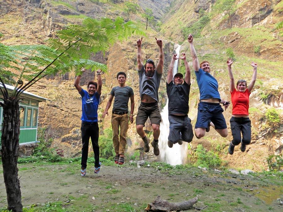 Annapurna Circuit: Nepalesen sind für jeden Spaß zu haben - Marpha