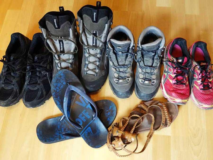 Weltreise Schuhe: Diese Schuhe haben wir dabei!