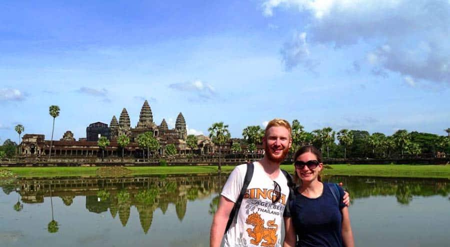 Bild vor den Tempeln von Angkor Wat in Kambodscha