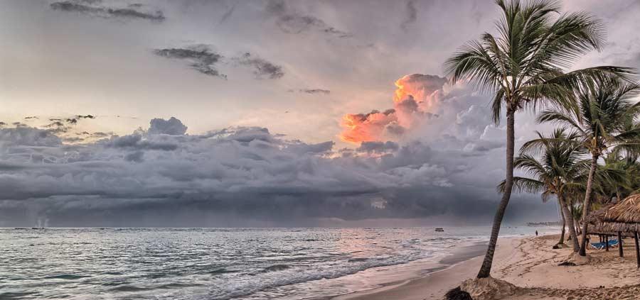 Sonnenuntergang am Strand in Nicaragua