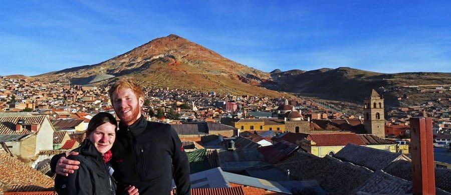 Vor dem Cerro Rico in Potosi, Bolivien