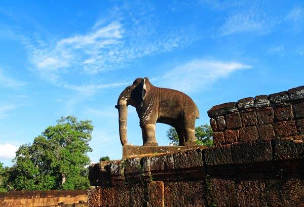 Elfanten-Statue bei Angkor, Kambodscha