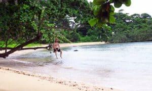Du bist natürlich auch dann versichert, wenn Du einfach nur faul am Strand liegst und das Leben als Weltreisende(r) genießt!