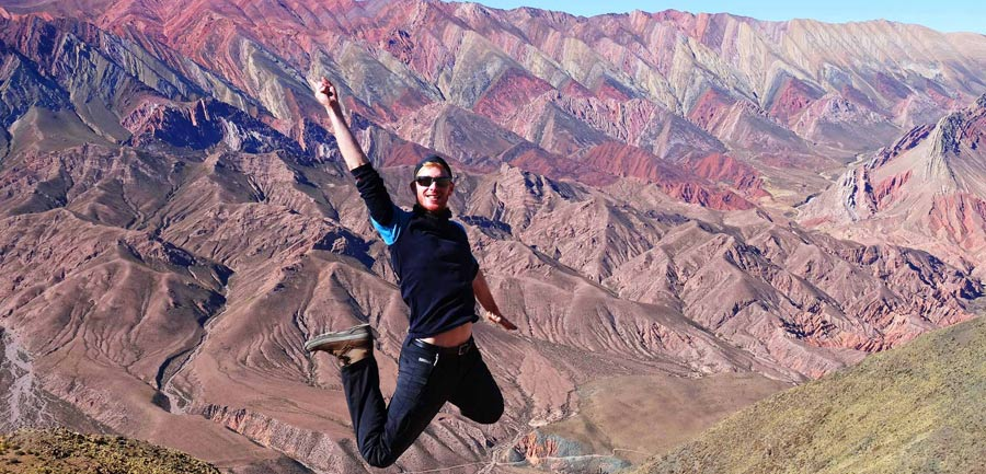 Wandertipps: Mehrfarbige Felsen bei der Quebrada de Humahuaca in Nordargentinien