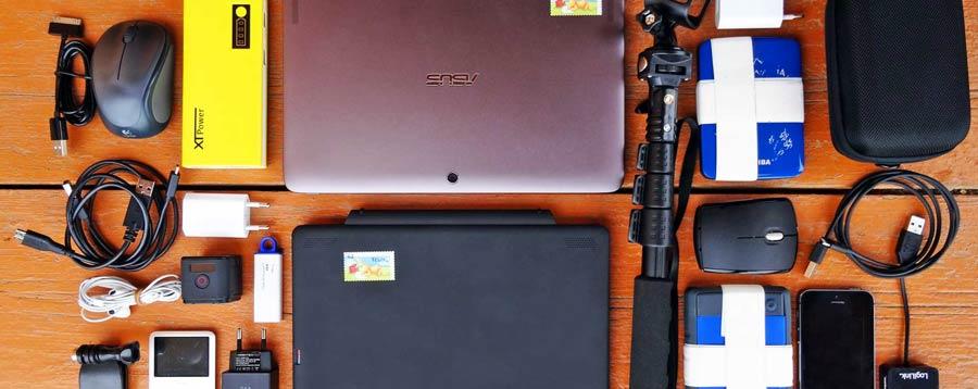 Weltreise Technik: Strinlampe, Sonnencreme, Taschenmesser und Funktionsshirt
