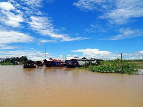 Hoher Wasserstand in der Regenzeit in Kambodscha