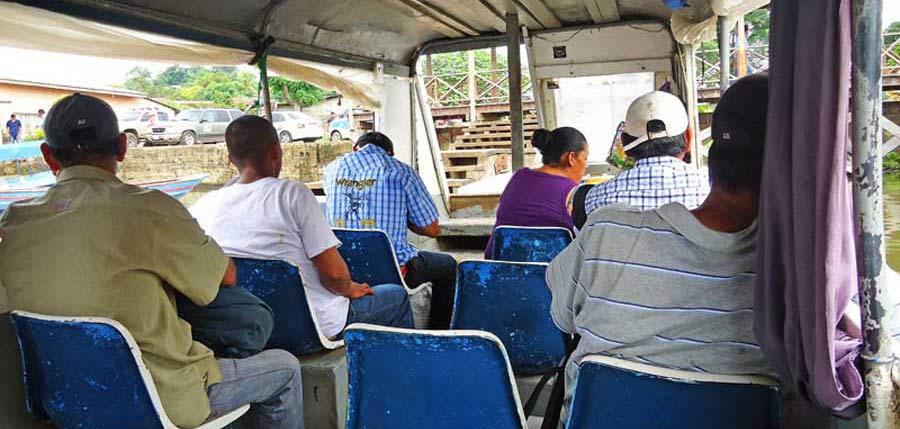 Transport mit dem Boot in Nicaragua