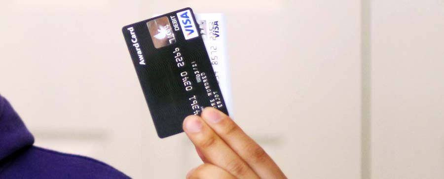 Kreditkarte Weltreise: Die DKB Kreditkarte im Vergleich mit anderen Reise-Visakarten