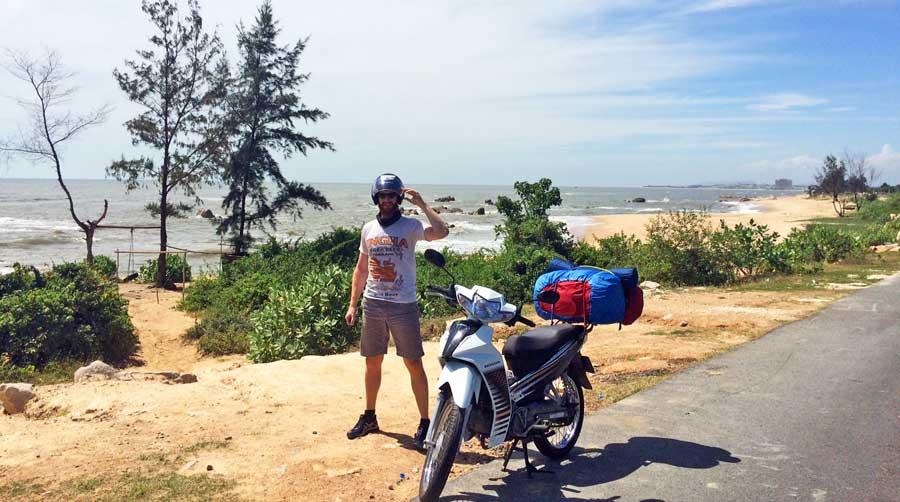 Motorrad durch Vietnam: Pause am Straßenrand