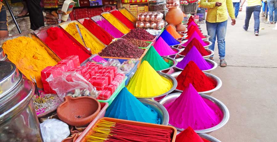 Indien Online Reiseführer: Wunderschöne Farben auf einem Markt