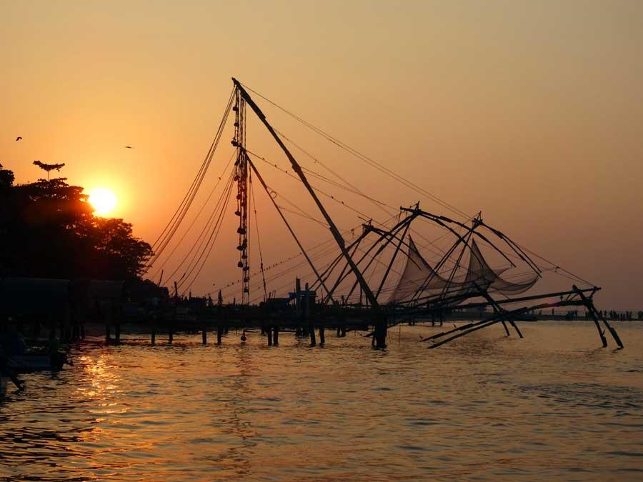 Indien Online Reiseführer: Sonnenuntergang über Kochi (Südindien)