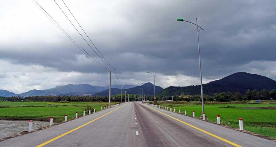 Vietnam Motorrad: Dunkle Wolken am Himmel