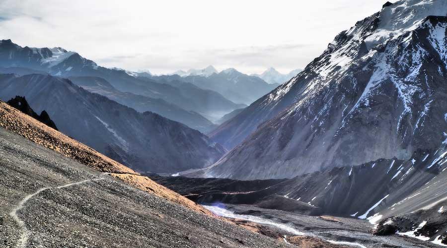 Nepal Trekking: Trekking Tour durch die Berge