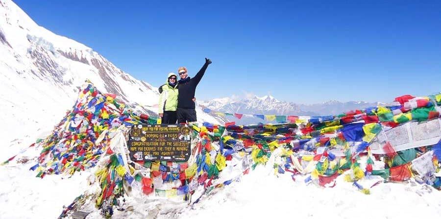 Packliste Wandern: Trekking Hüttentour Tagestour, Wanderschuhe und Funktionstuch