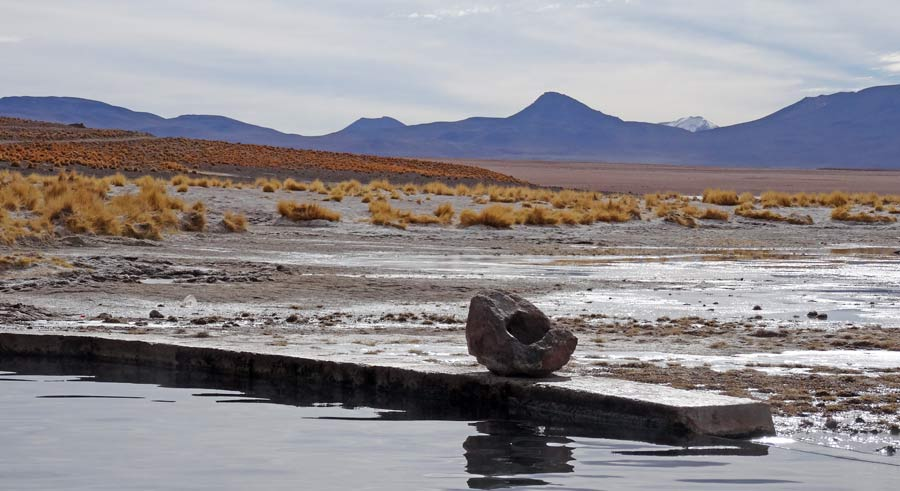 Salzwüste: Touranbieter Salzebene Lithium, dahinter Atacama