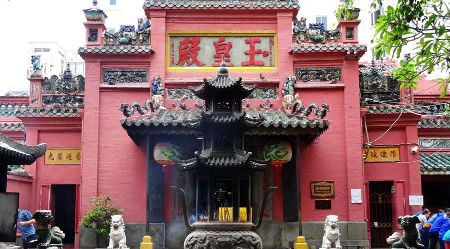 Saigon Sehenswürdigkeiten: Wiedervereinigungspalast & Kriegsmuseum