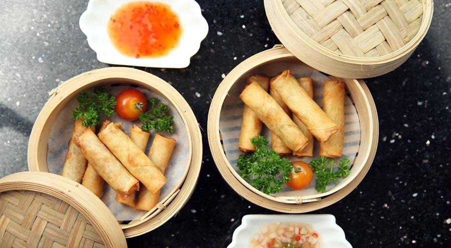 Thailändisches Essen: Frühlingsrollen