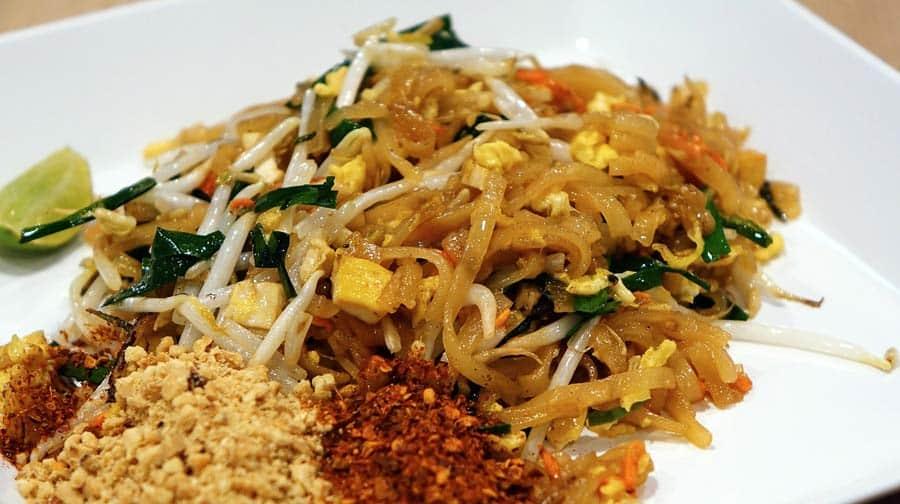 Thailändisches Essen: Pad Thai