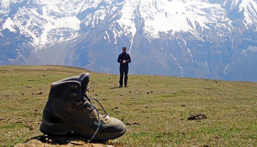 Wanderschuhe Test: Trekking Stiefel und Wanderschuh mit Sohlengrip sowie Hikingschuhe für Bergsteiger