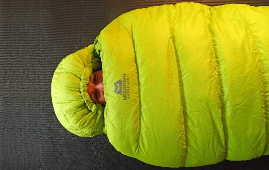 Schlafsack Test: Winterschlafsack - Daunen Innenmaterial Kunstfaserschlafsäcke