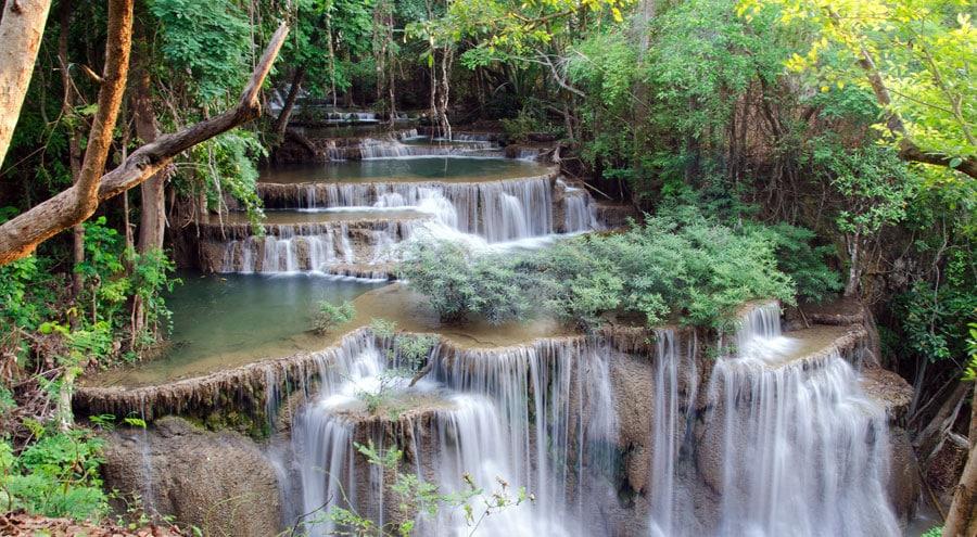 Thailand Sehenswürdigkeiten: Pai, Chiang Rai, Bangkok, Lampang und Damnoen Markt