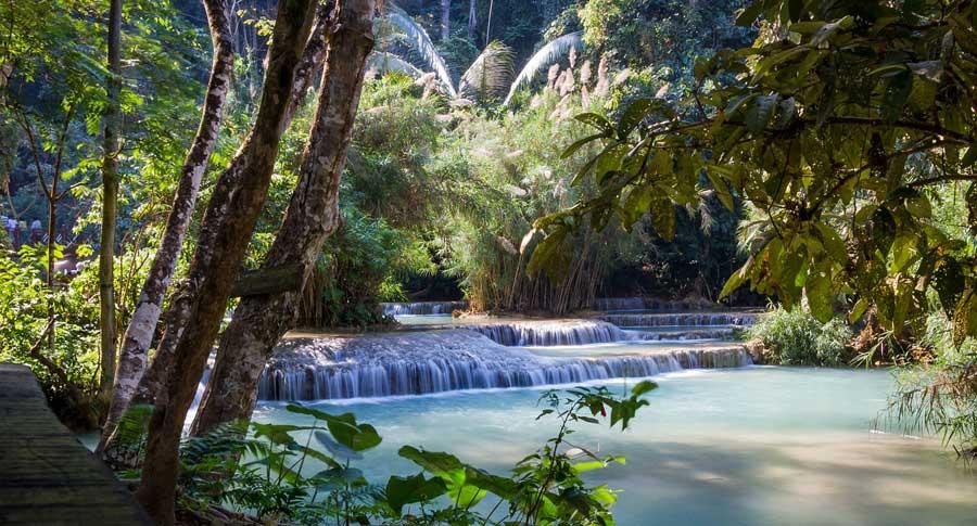Laos Sehenswürdigkeiten: Wasserfall Attraktion