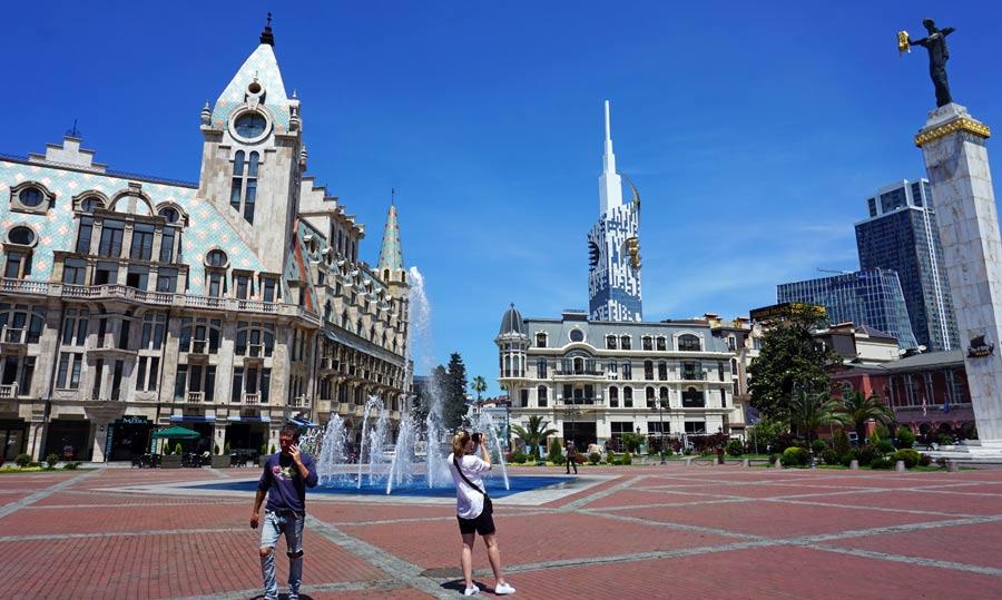 Batumi: Europa Platz Medea Statue