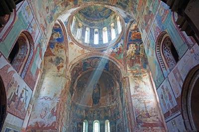 Georgien Sehenswuerdigkeiten: Kloster - Adscharien und Tuschetien