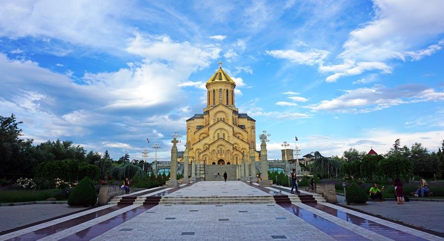 Tiflis: Kirche - Tbilissi Mtazminda Mtkwari Kazbegi