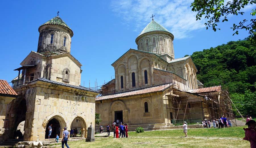 Georgien Reisen: Kutaissi Kloster Gelati - Tuschetien, Vashlovani und Südossetien im Kaukasus
