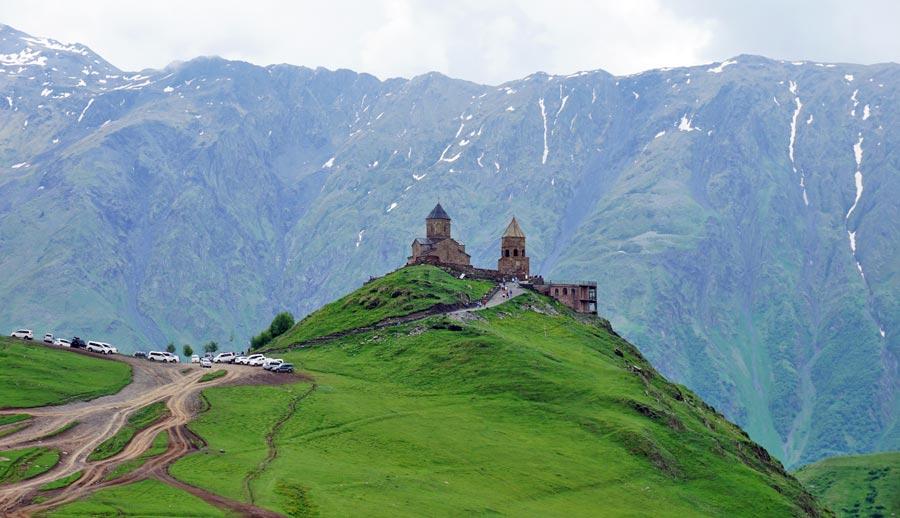 Georgien Reisen: Stepanzminda Gergeti - Armenien, Südossetien und Abchasien im Kaukasus