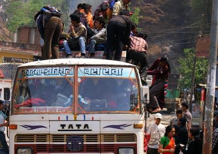 Bus-Kathmandu-Syabru