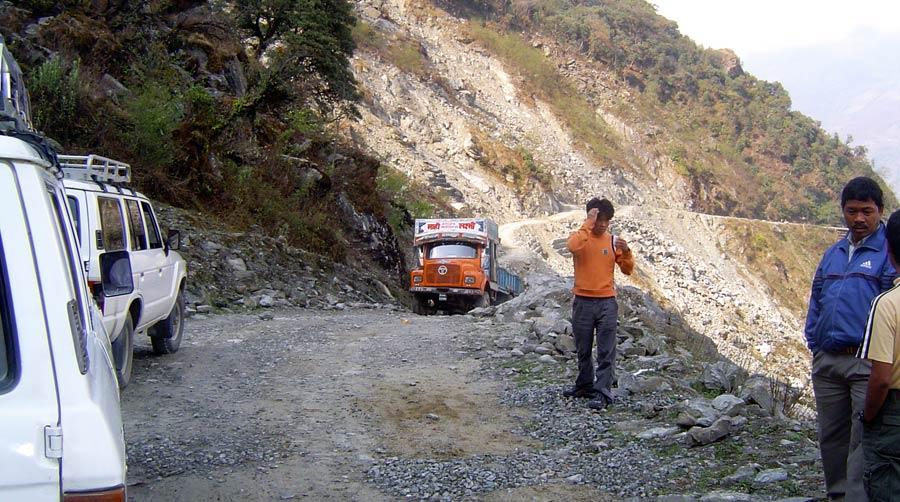 Strasse-Nepal-Himalaya