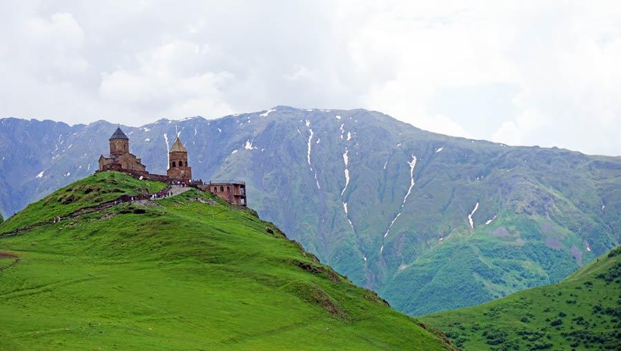 Georgien: Gergeti Kloster bei Kazbegi
