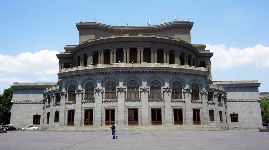 Jerewan: Opernhaus Stadt