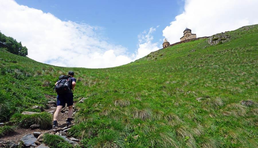 Kazbegi Reisetipps: Gergetier Kirche Wanderung
