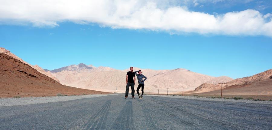 Pamir Highway: Landschaft, Berge, GBAO Permit
