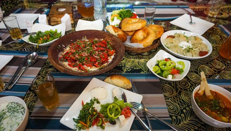 Tadschikistan: Essen und Trinken