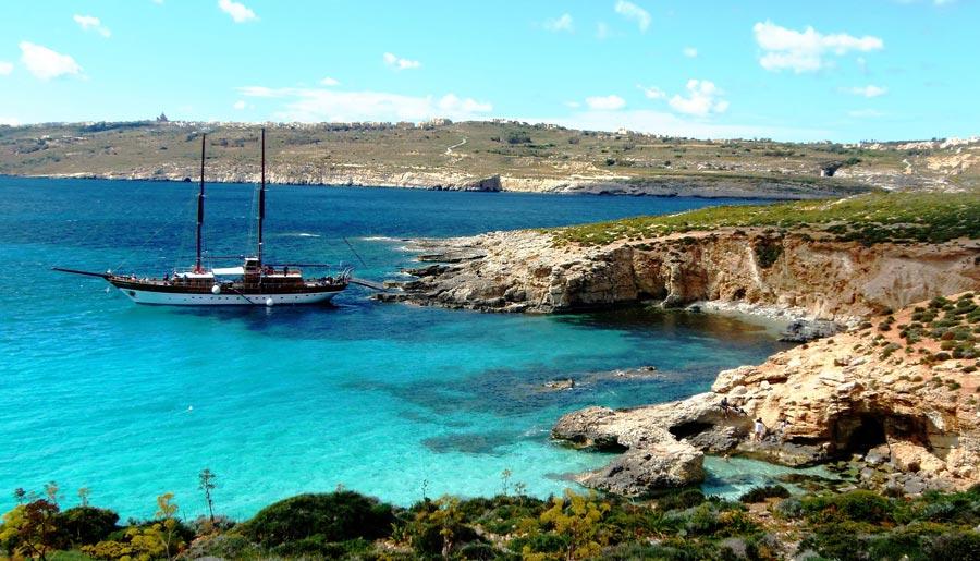 Comino, Nachbarinsel Gozo und Malta