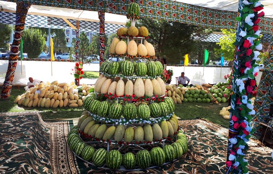 Plov, Melonen und Chaikhanas