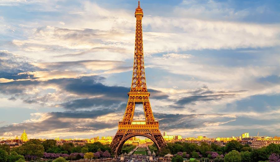 Paris Sehenswürdigkeiten: Eiffelturm, Champ de Mars