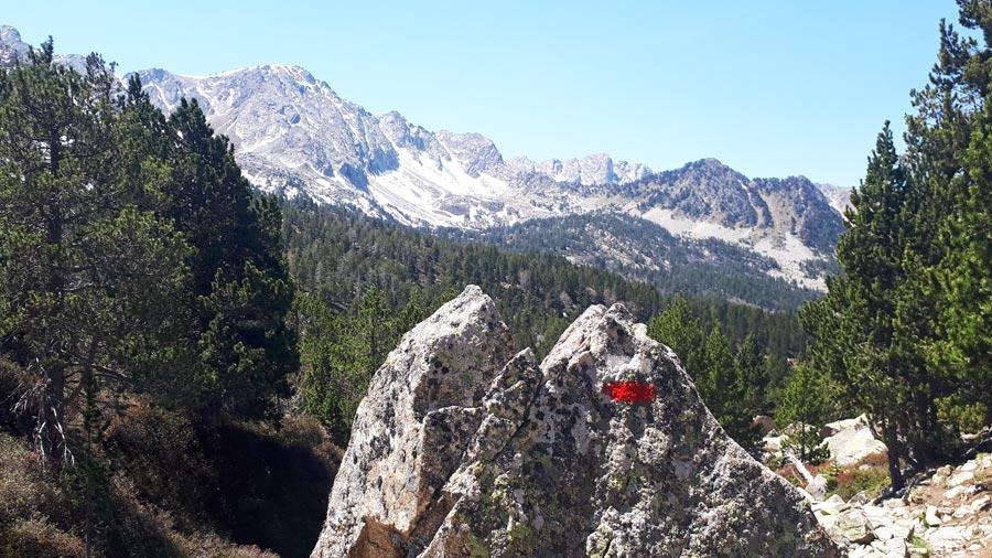 Wandern Pyrenäen: Fernwanderweg GR11