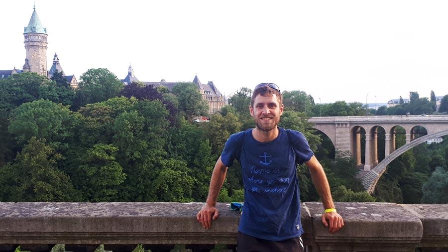 Luxemburg Sehenswürdigkeiten: Brücke, Place de la Constitution