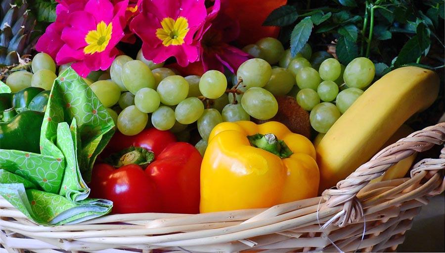Geschenkkorb mit nachhaltigen Produkten
