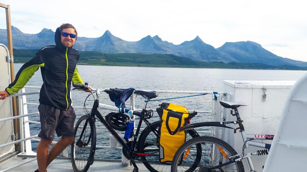 Fahrrad Transport auf dem Boot, kein Problem in Helgeland