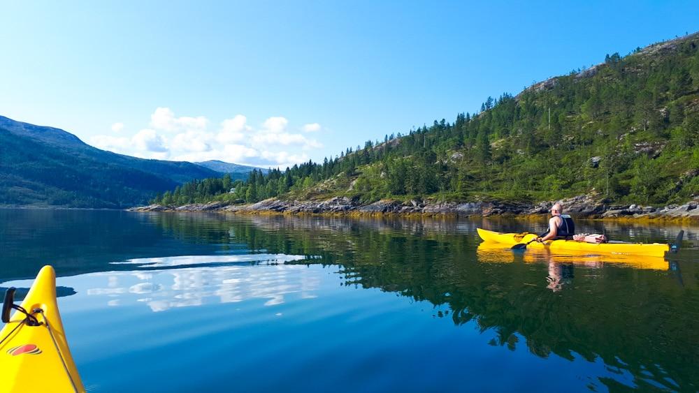 Mit Kajak durch Fjorde in Helgeland