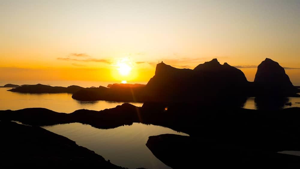 Abendstimmung in Helgeland, Blick auf Insel Senna
