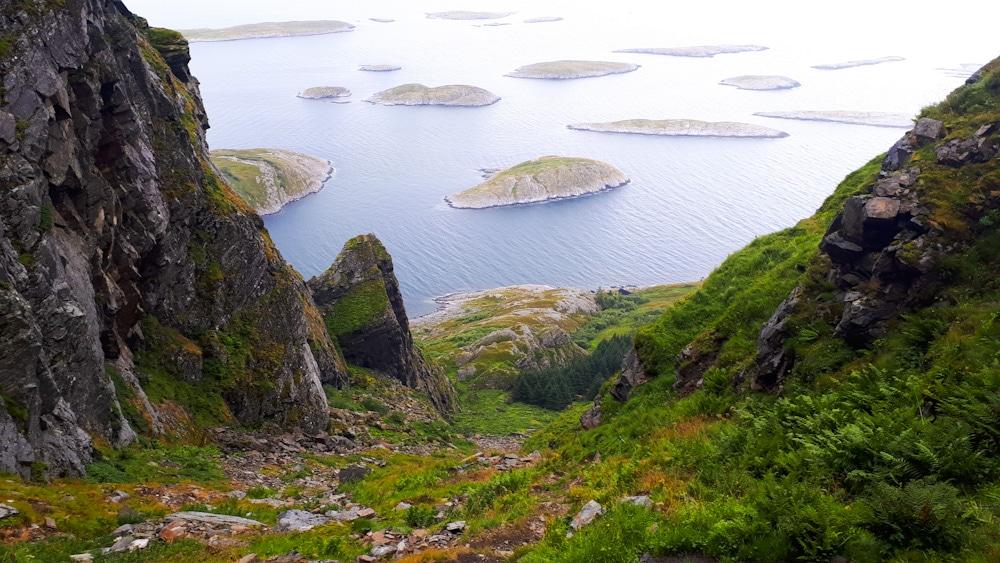 Blick auf Schären von Lovund in Helgeland