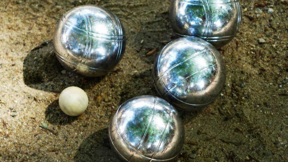Das Outdoorspiel Boule, ein Klassiker für die Familie